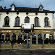 CAFE DES CHIENS - 4